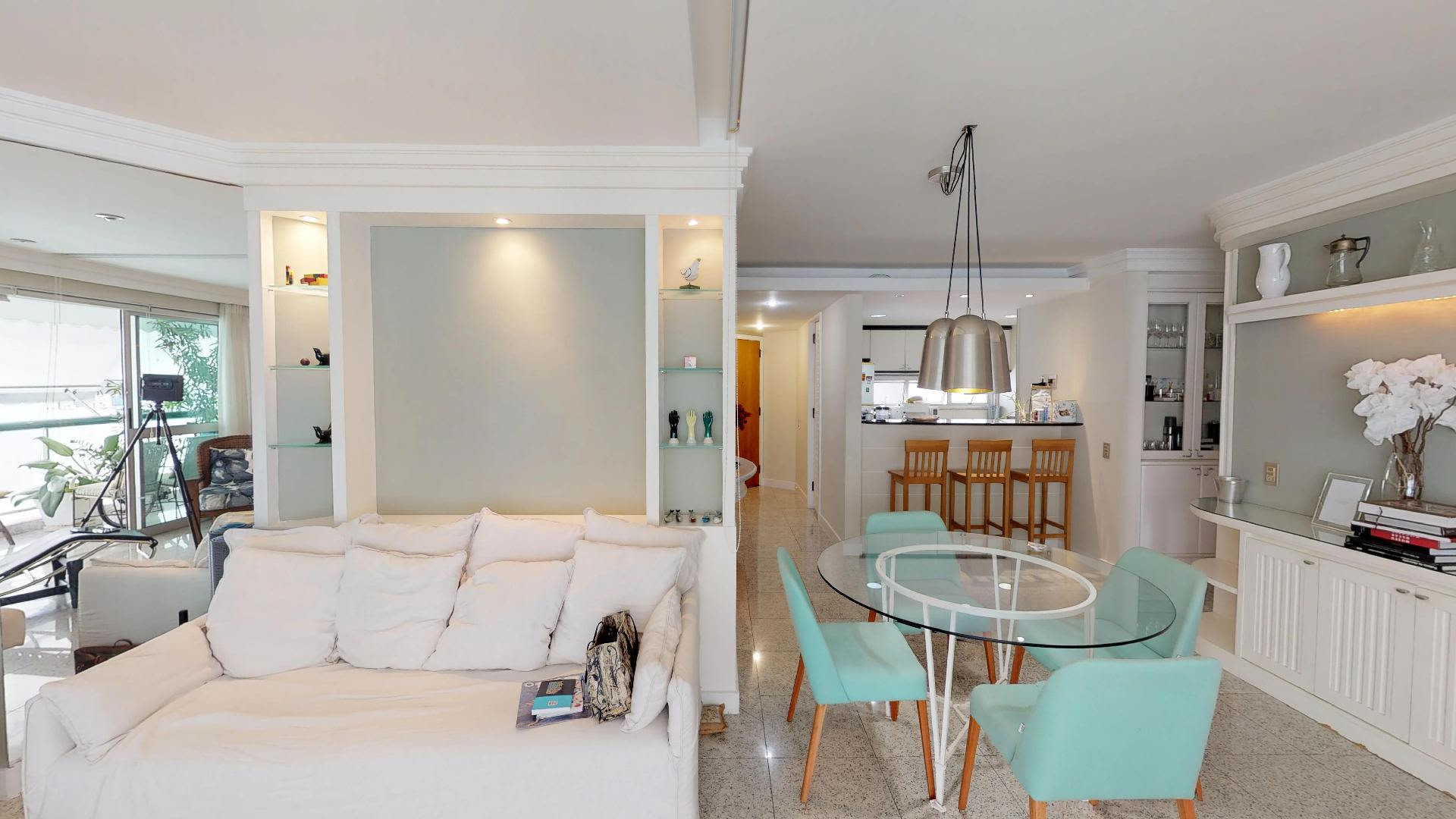 Imagem do Apartamento ID-1150 na Rua Rainha Guilhermina, Leblon, Rio de Janeiro - RJ