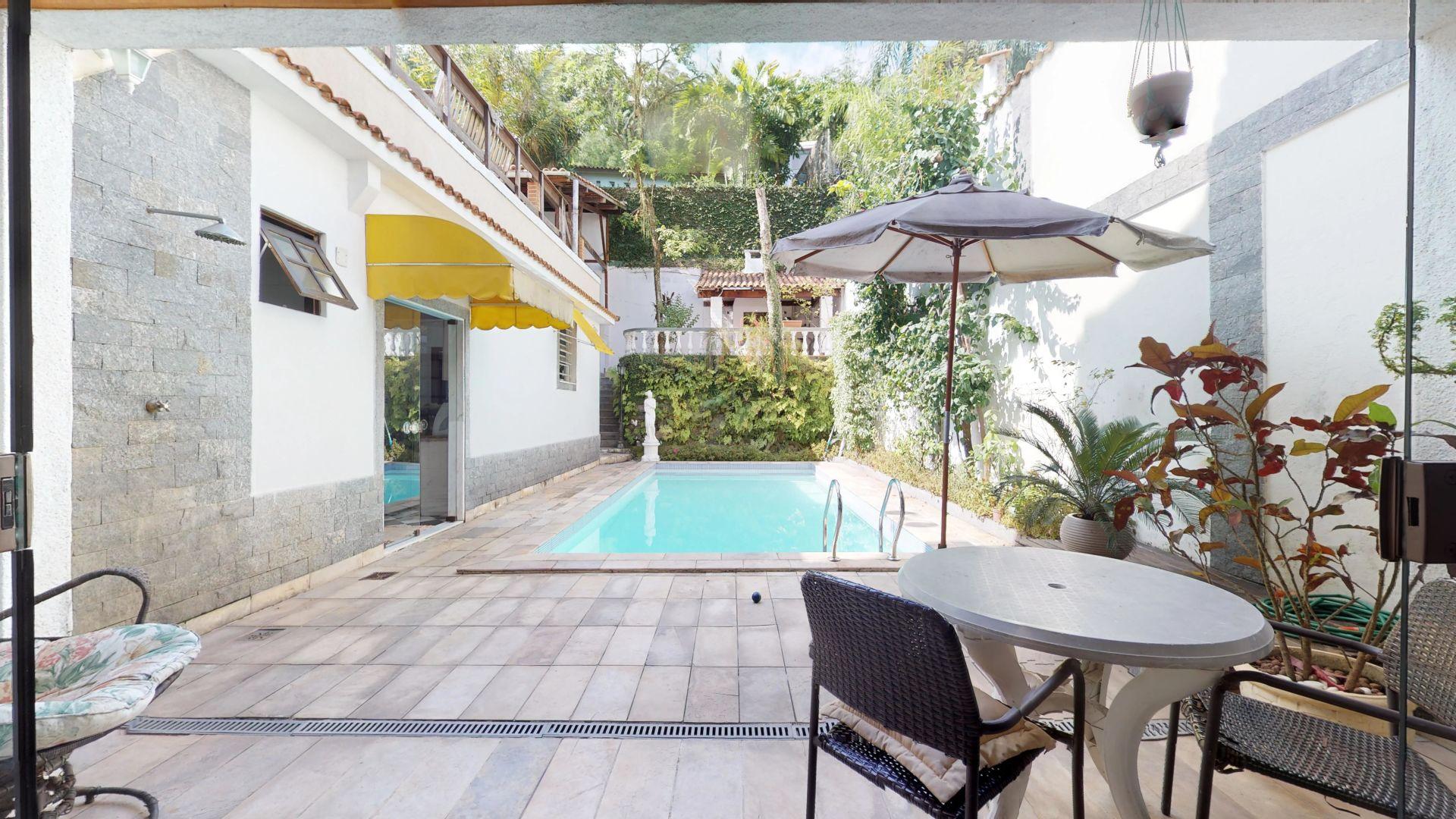 Imagem da Casa ID-1582 na Rua Alice, Laranjeiras, Rio de Janeiro - RJ