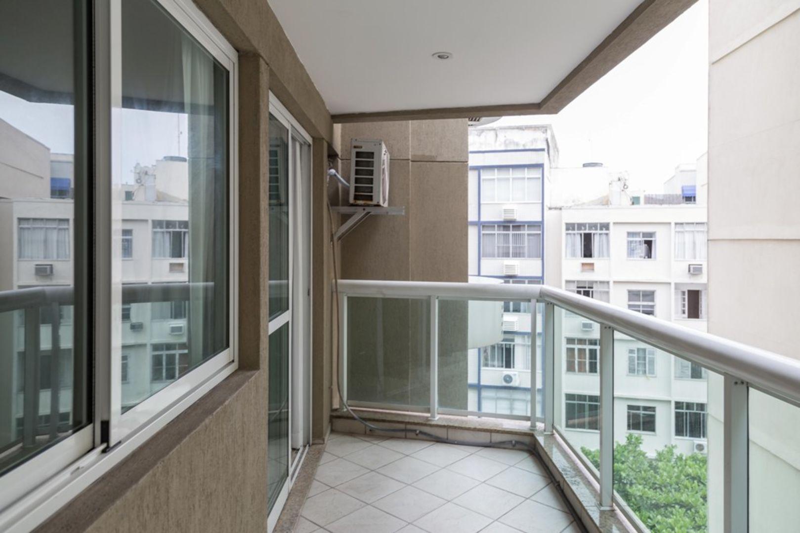 Imagem do Apartamento ID-1317 na Avenida Rainha Elisabeth, Copacabana, Rio de Janeiro - RJ