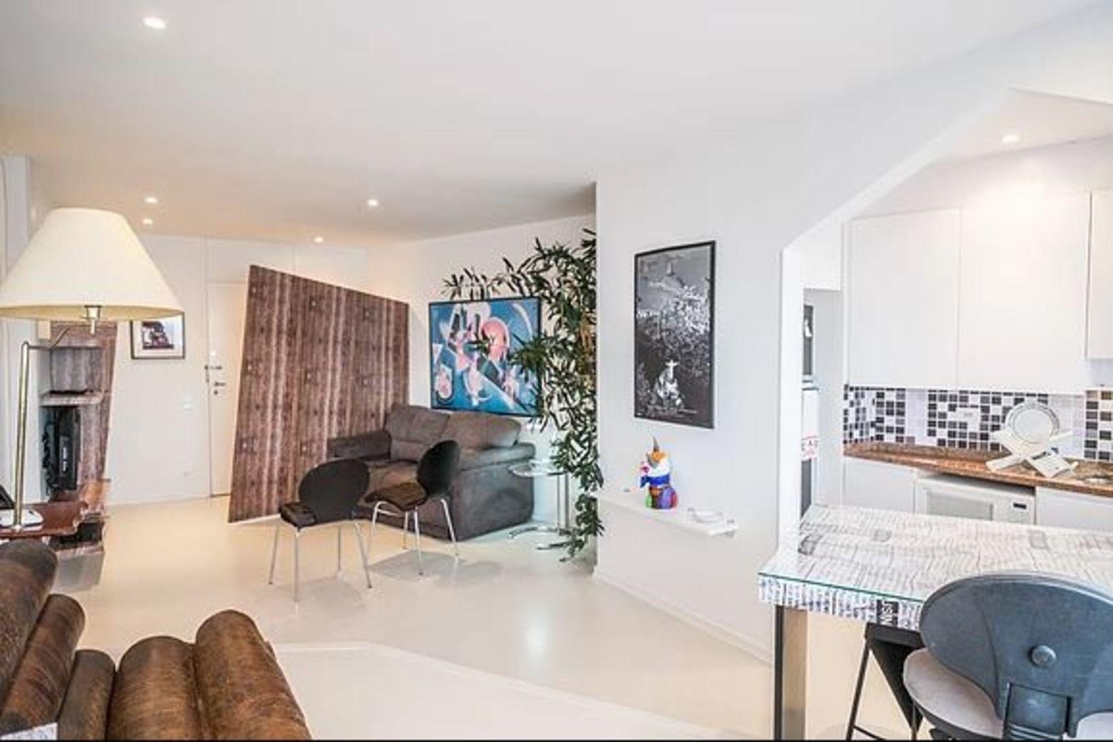 Imagem do Apartamento ID-766 na Rua Almirante Guilhem, Leblon, Rio de Janeiro - RJ