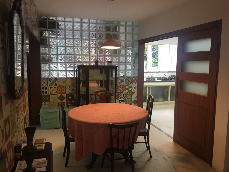 Imagem da Casa ID-677 na Rua Alice, Laranjeiras, Rio de Janeiro - RJ