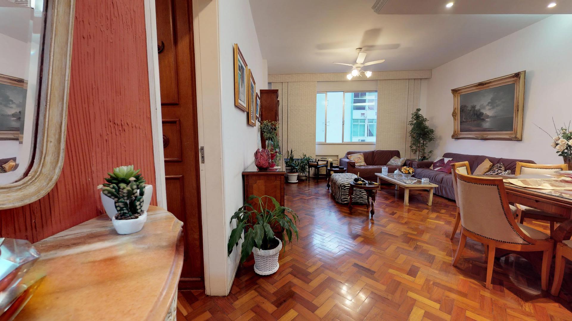 Imagem do Apartamento ID-576 na Rua Pompeu Loureiro, Copacabana, Rio de Janeiro - RJ