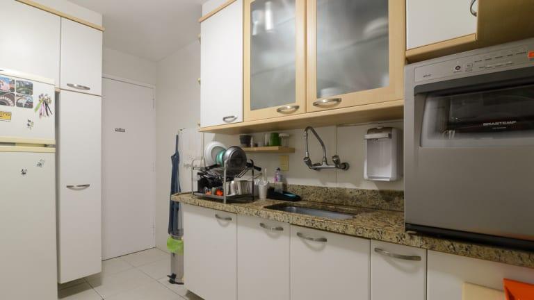 Imagem do imóvel ID-17600 na Rua Cosme Velho, Cosme Velho, Rio de Janeiro - RJ