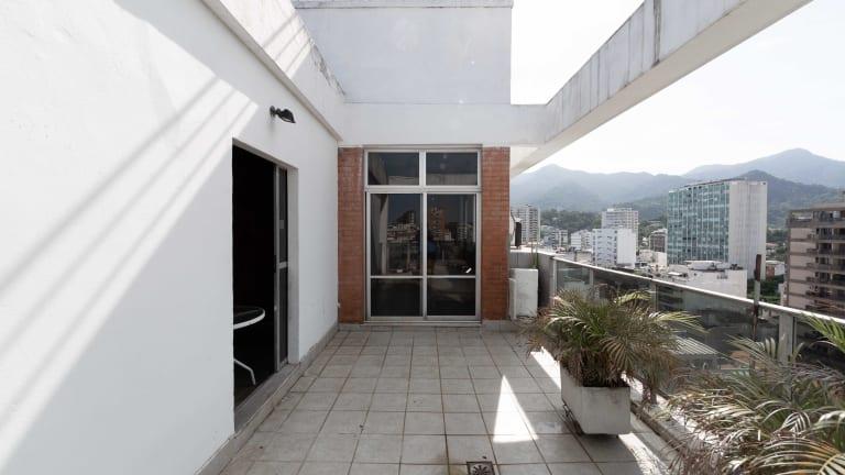 Imagem do imóvel ID-2003 na Avenida Bartolomeu Mitre, Leblon, Rio de Janeiro - RJ