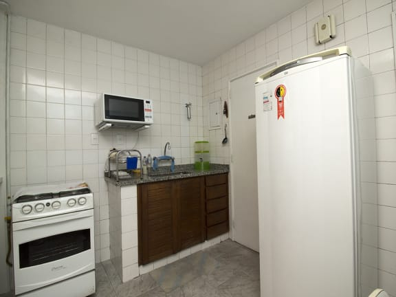 Imagem do imóvel ID-12314 na Rua das Laranjeiras, Laranjeiras, Rio de Janeiro - RJ
