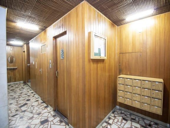 Imagem do imóvel ID-12670 na Rua Bento Lisboa, Catete, Rio de Janeiro - Rj