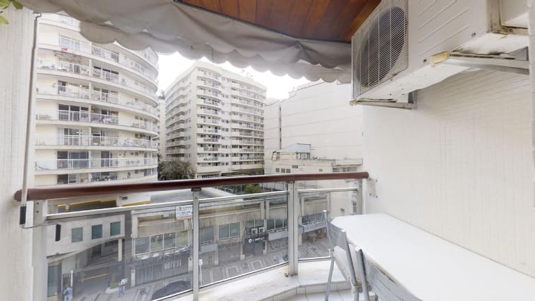 Imagem do imóvel ID-23693 na Rua Artur Bernardes, Catete, Rio de Janeiro - RJ