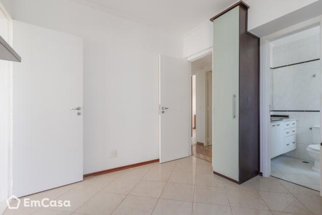 Imagem do imóvel ID-32707 na Rua Pedro de Toledo, Vila Adyana, São José dos Campos - SP