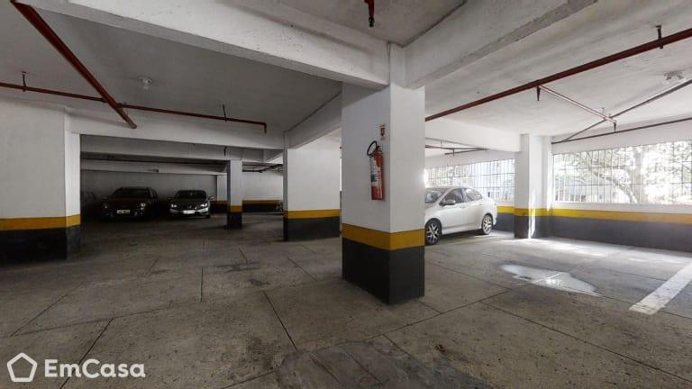Imagem do imóvel ID-33285 na Rua Moura Brasil, Laranjeiras, Rio de Janeiro - RJ