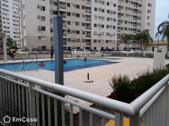 Imagem do imóvel ID-34519 na Estrada Adhemar Bebiano, Del Castilho, Rio de Janeiro - RJ