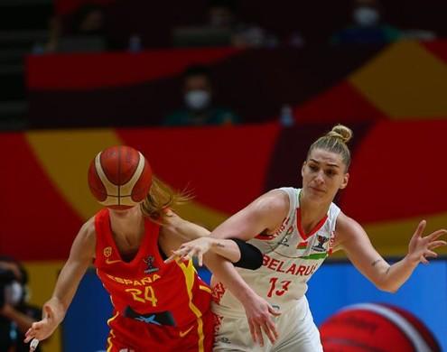 España pierde la cabeza y cae derrotada ante Bielorrusia.