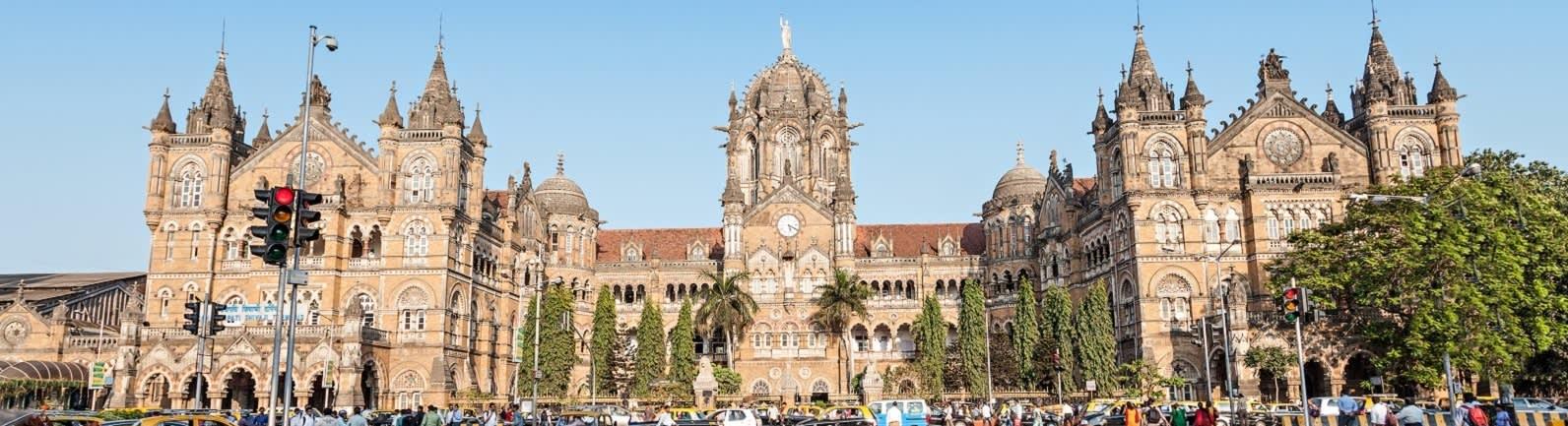 Mumbai train station - India Tours - Enchanting Travels