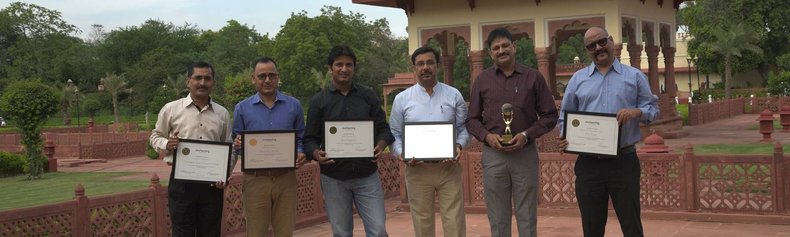 Enchanting Travels India Local Guide _ Chauffeur Awards Community Engagement 2017(1)