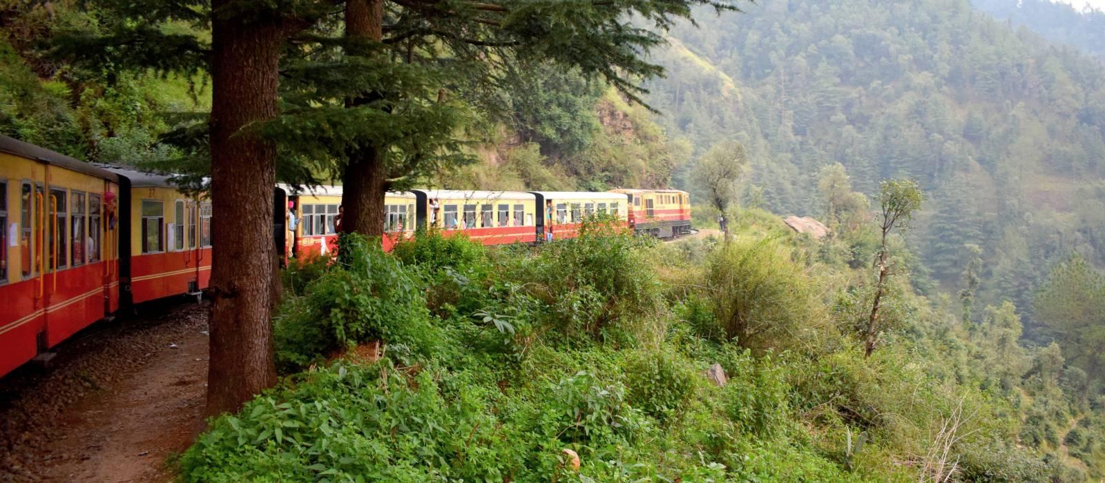 Zug von Shimla nach Kalkutta in Indien