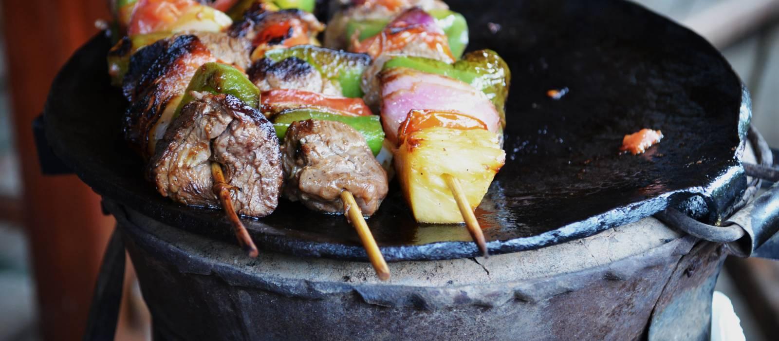 Leckeres Grillgericht in einem traditionellen kenianischen Restaurant