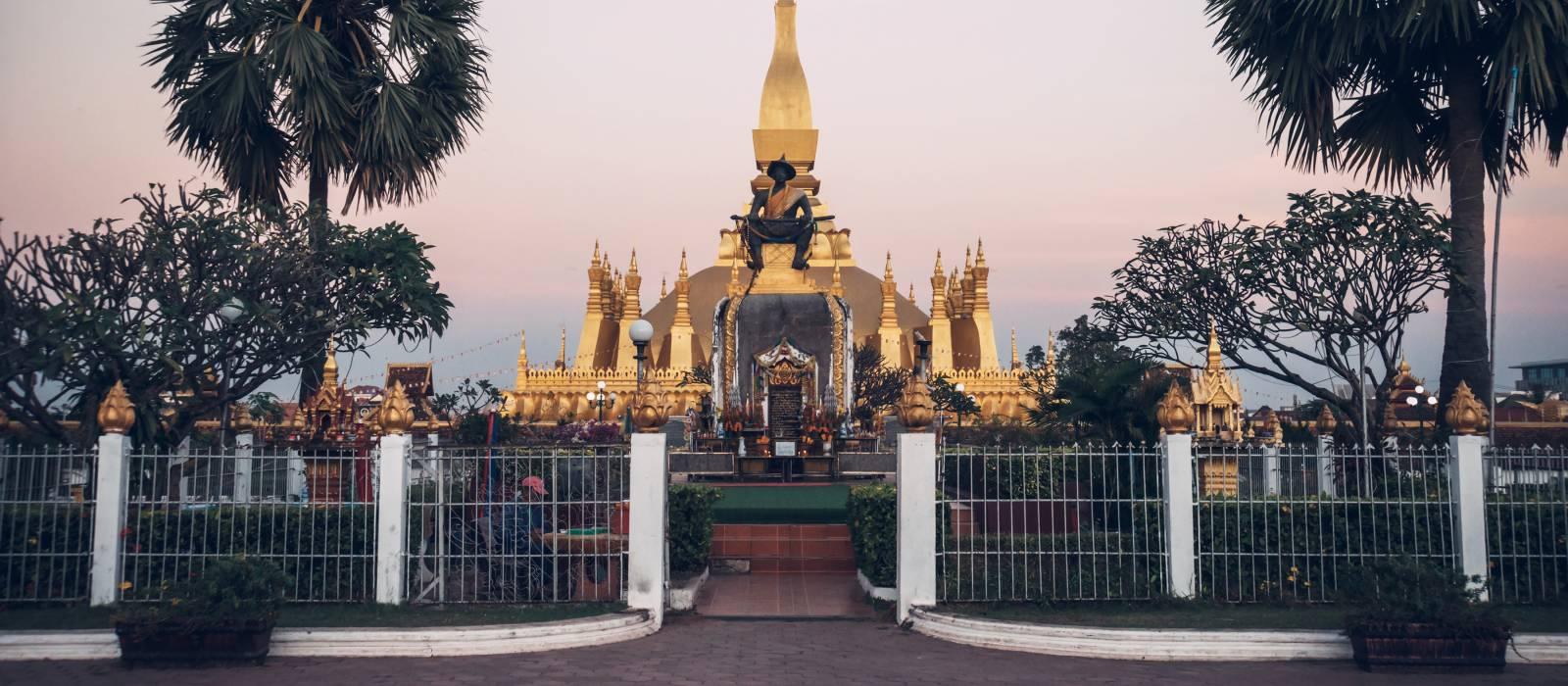 Pha That Luang ist eine goldbedeckte große buddhistische Stupa, wichtiges Nationalmonument, Vientiane, Laos, Asien