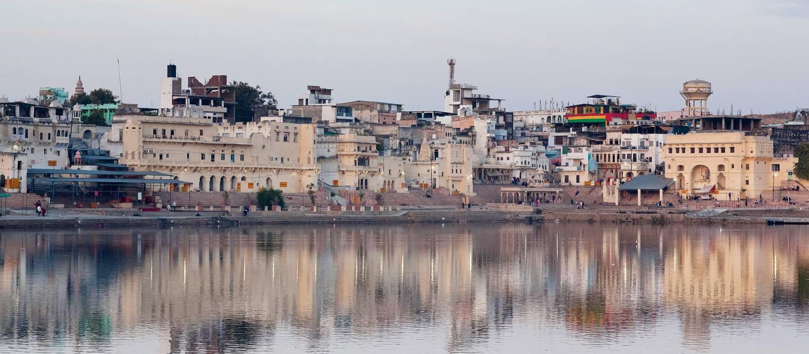 Pushkar town and Pushkar Sarovar lake, Ajmer, Rajasthan, India