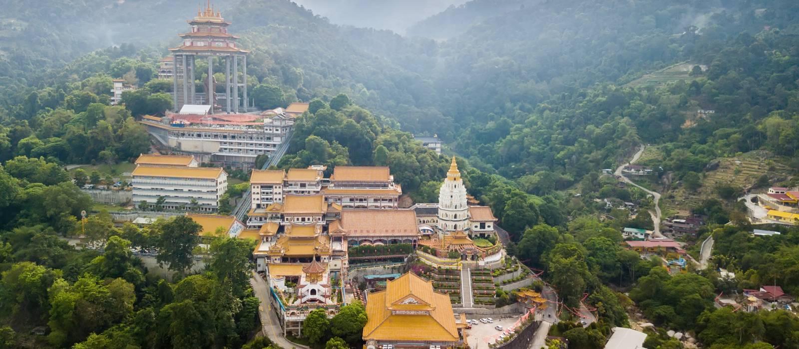 Vogelperspektive über dem Kek Lok Si Tempel auf der Insel Penang, Malaysia, Asien
