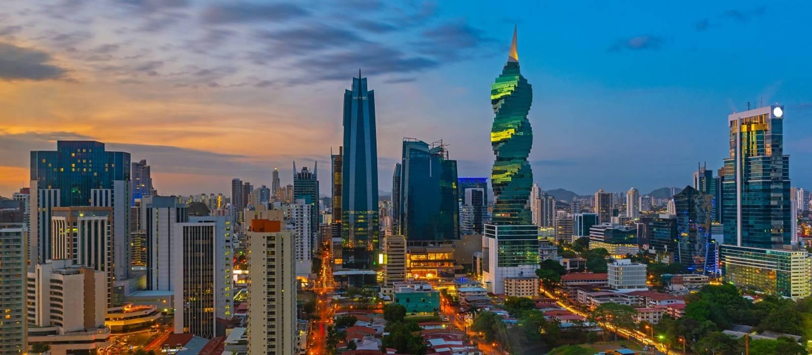 Die Skyline von Panama Stadt