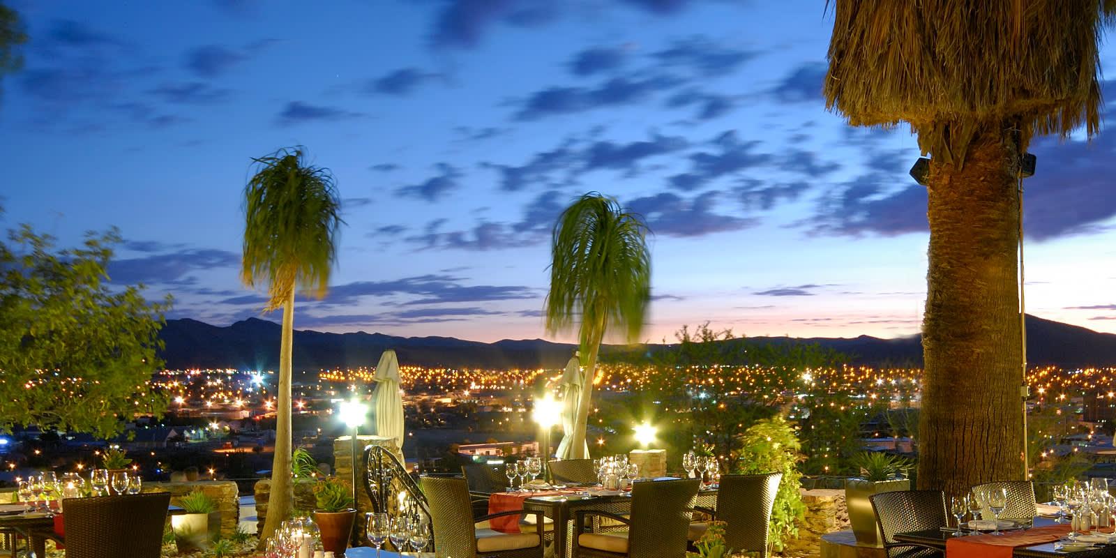 Ausblick auf Windhoek bei Nacht