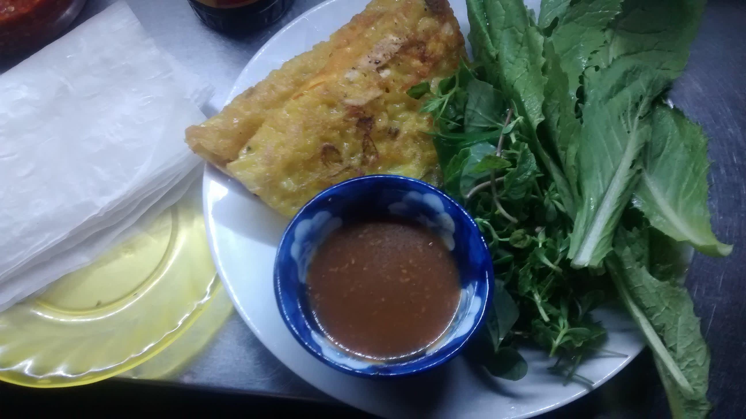 Ein Teller Banh Khoai Pfannkuchen