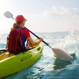 Frau im Kayak