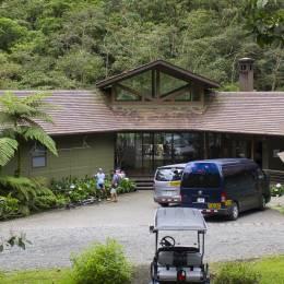 Enchanting Travels - Costa Rica Tours - Bajos del Toro Hotels - El Silencio Lodge - Hotel Entrance