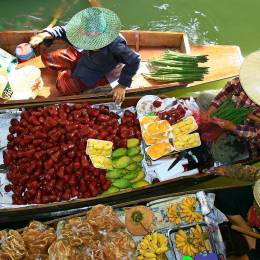Thailand floating market - Thailand travel guide