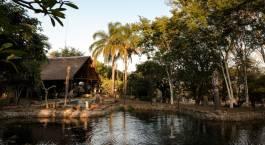Außenansicht des Klaserie River Safari Lodge Hotel, Zentraler Krüger in Südafrika