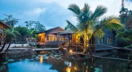 Außenansicht von Teich vor dem Mekong Rustic - Can Tho in Vietnam
