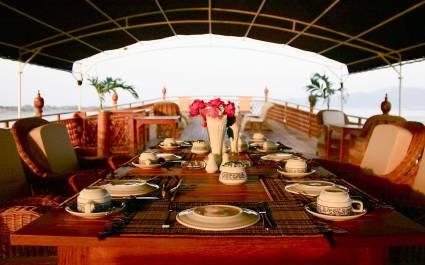 Cruises in Asia - Amara Cruise - Dining