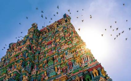 Visit Meenakshi Temple of Madurai on your South India tours