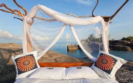 Star bed at Nkwichi Lodge Lake Malawi - Mozambique