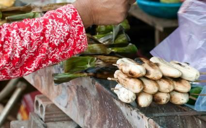 Gegarte Bananen auf einem Markt