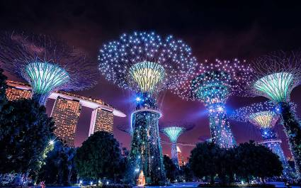 Klang-Licht-Show im Supertree Grove, Singapur