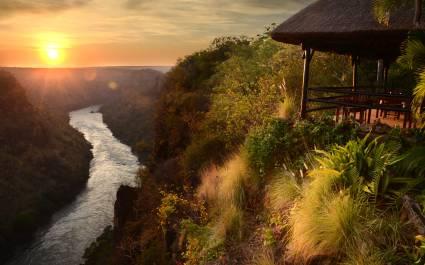 Ausblick auf Sambesi-Fluss am Hang von der Gorges Lodge in Sambia