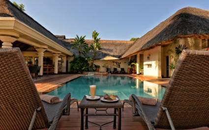 Swimmingpool der Ilala Lodge in Simbabwe