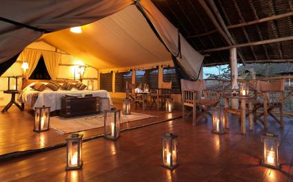 Enchanting Travels - Kenya Tours - Amboseli - Satao - Bedroom