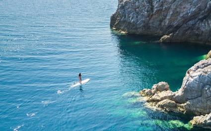Paddle Board Wa Ale- Wa Al - best luxury vacation spots in the worldIsland Resort
