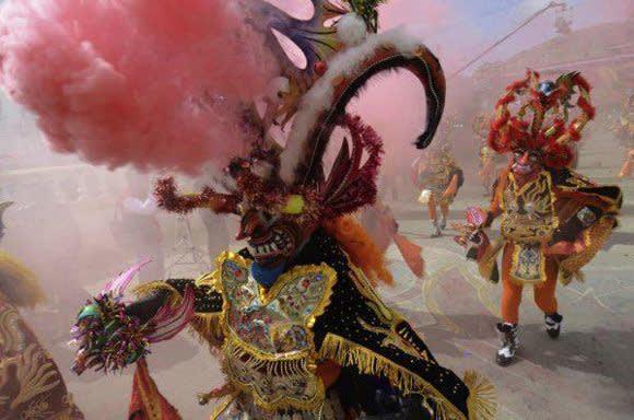 Karneval in Oruro: Ein Fest der Farben