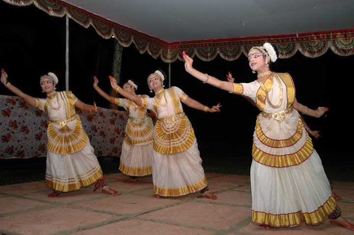 Thiruvathirakali, ein beliebter Volksgruppentanz