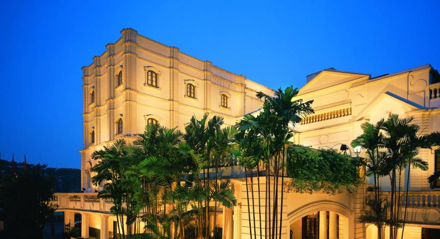 Außenansicht von  Oberoi Grand Hotel in Kolkata, West Bengalen