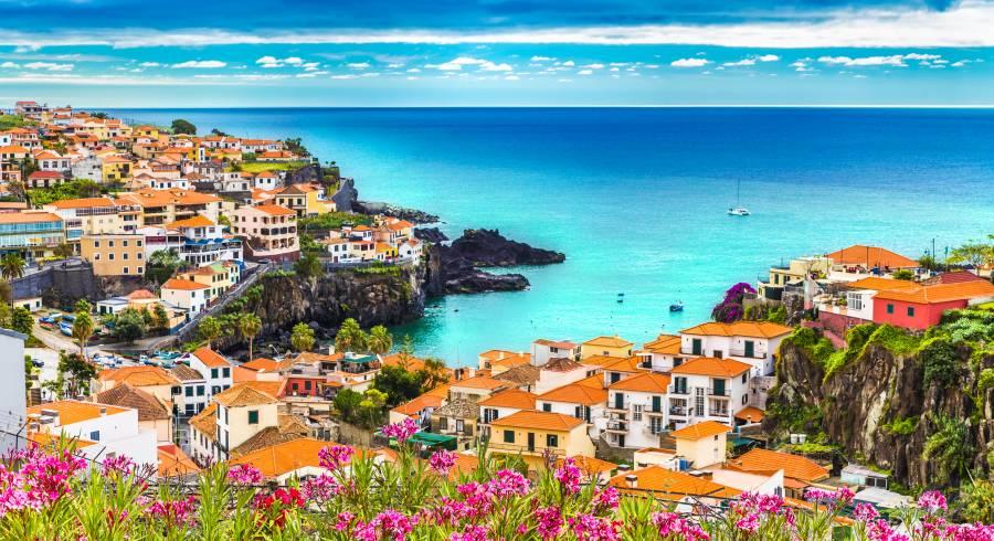 Panoramic-view-over-Camara-de-Lobos-Madeira-island-Portugal