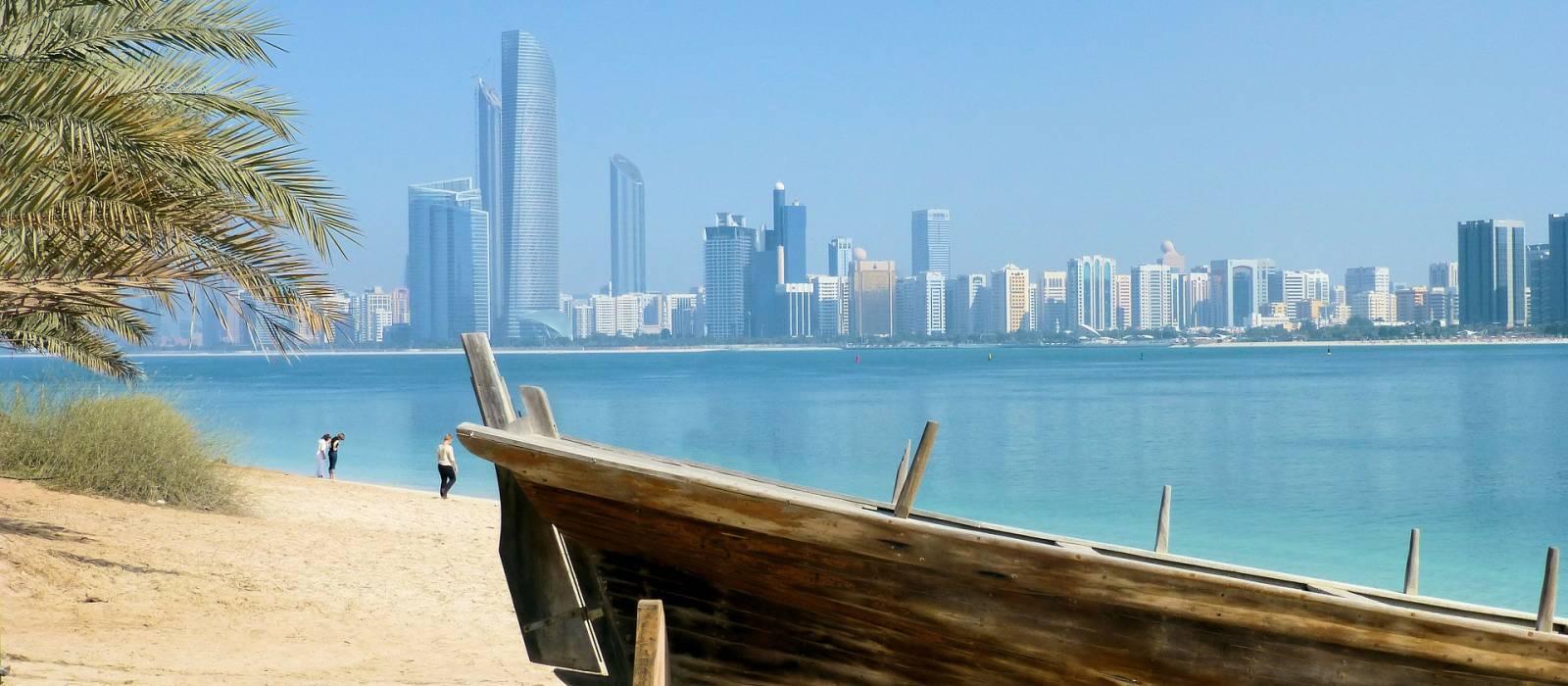 Dubai and Maldives: The Golden Sands Tour Trip 1