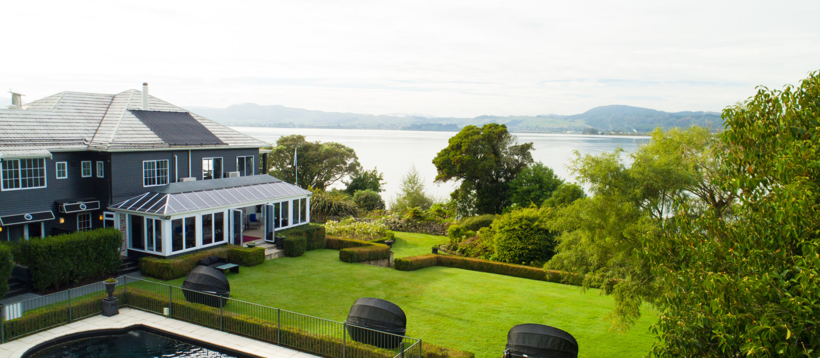 Hotel Black Swan Lakeside Boutique  New Zealand