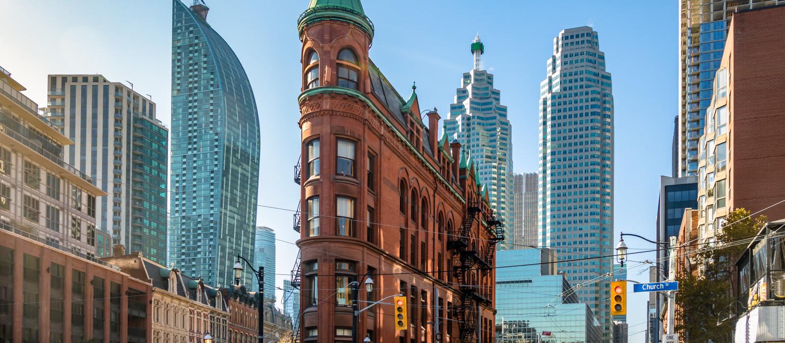 Destination Toronto Canada