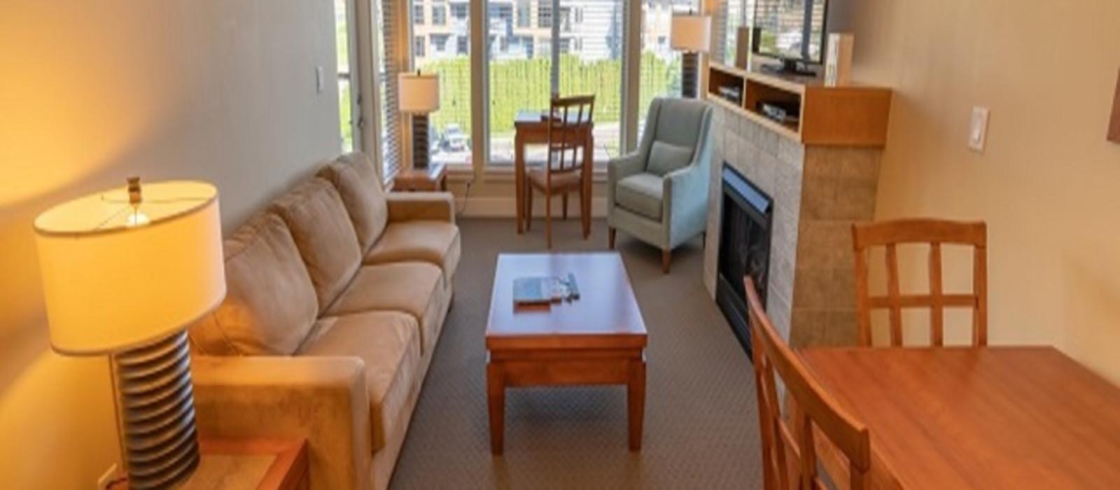 Hotel Cove Lakeside Resort Canada