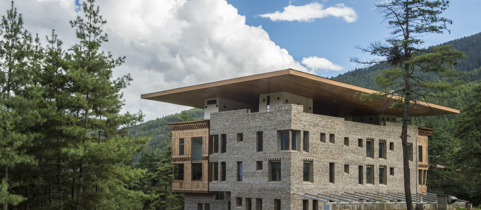 Hotel Zhiwa Ling Ascent Bhutan
