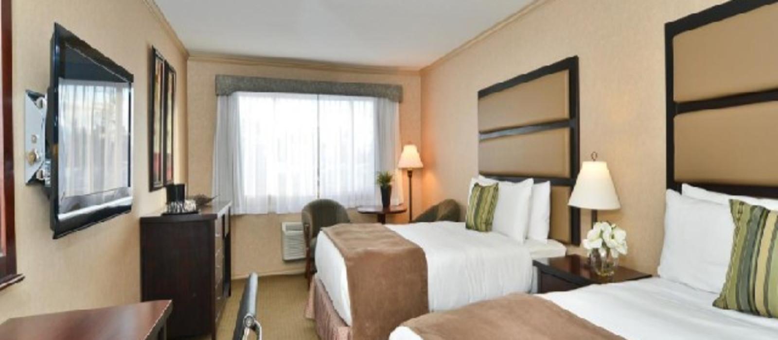 Hotel Prestige Radium Hot Springs Resort %region%