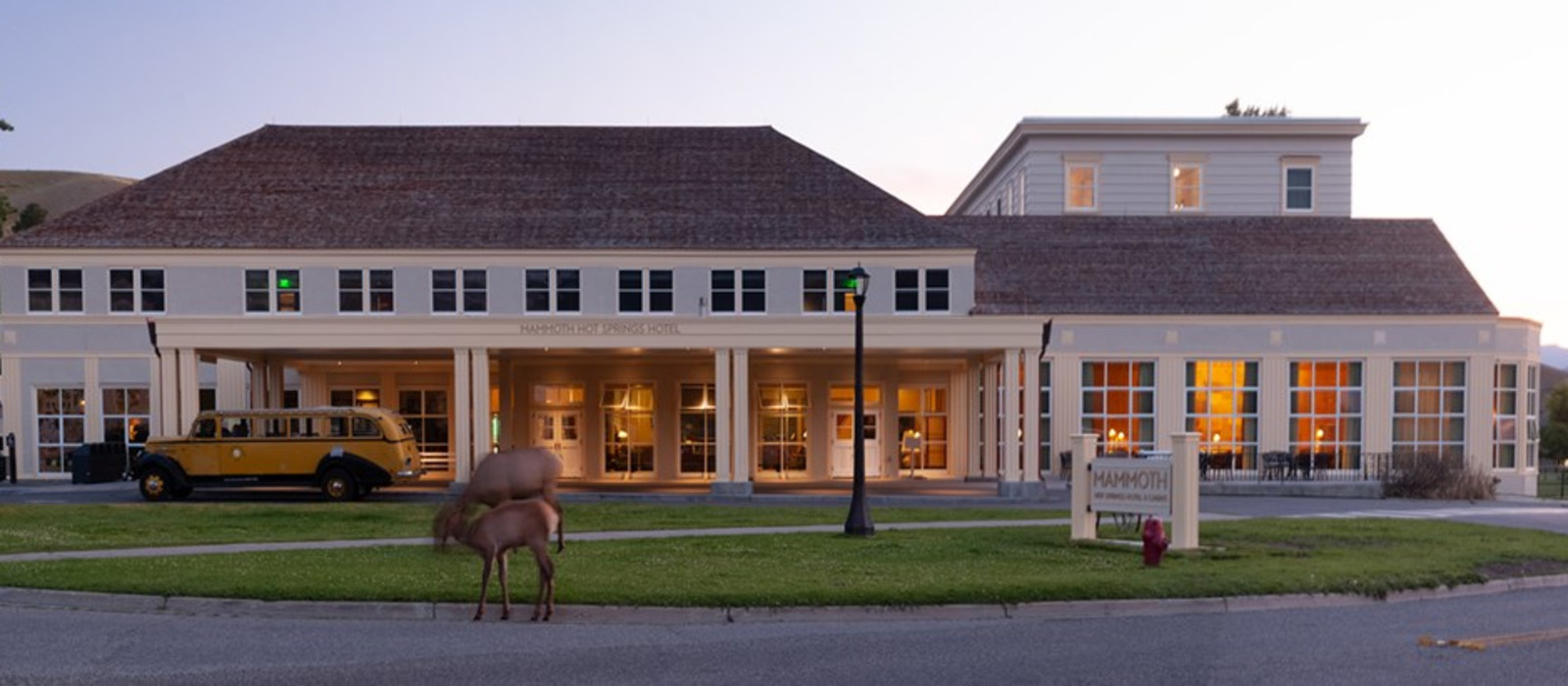 Hotel Mammoth Hot Springs  USA